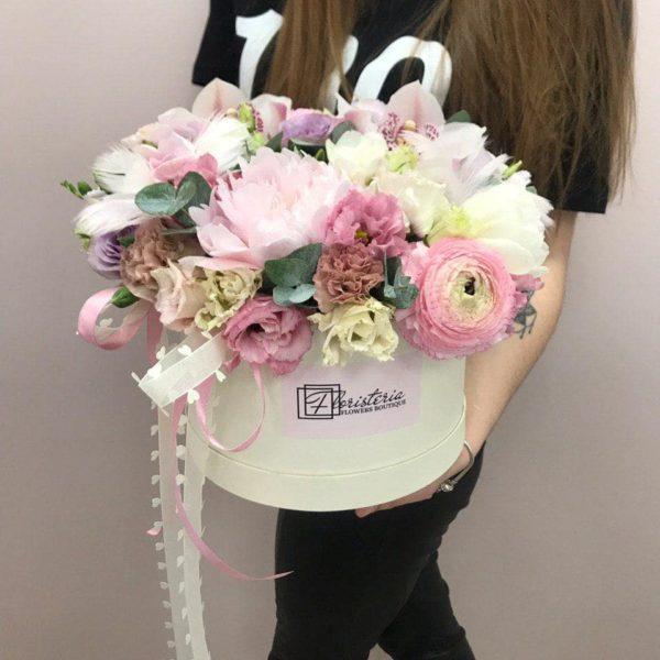 Flower box rozmiar L z mixem wiosennych kwiatów