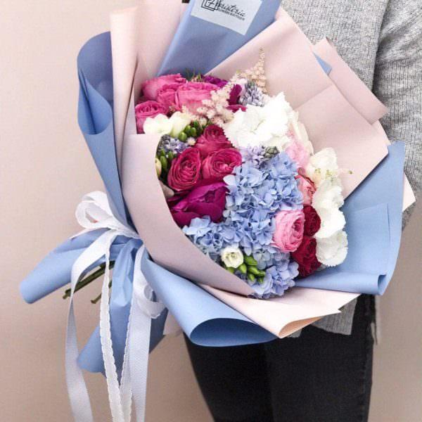 Bukiet rozmiar L z hortensji,ekwadorskiej oraz angielskiej róży i  frezji