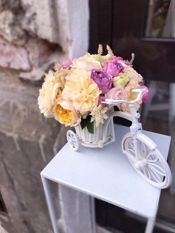 Rower z letnich kwiatów
