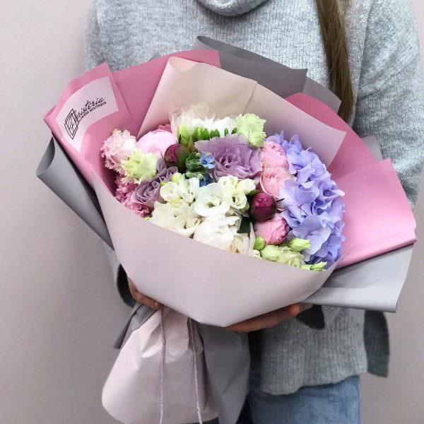 Bukiet z hortensji,róż,eustomy,piwonii i frezji