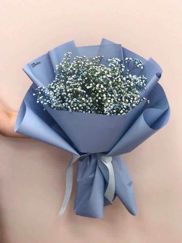 Bukiet z niebieskiej gipsówki