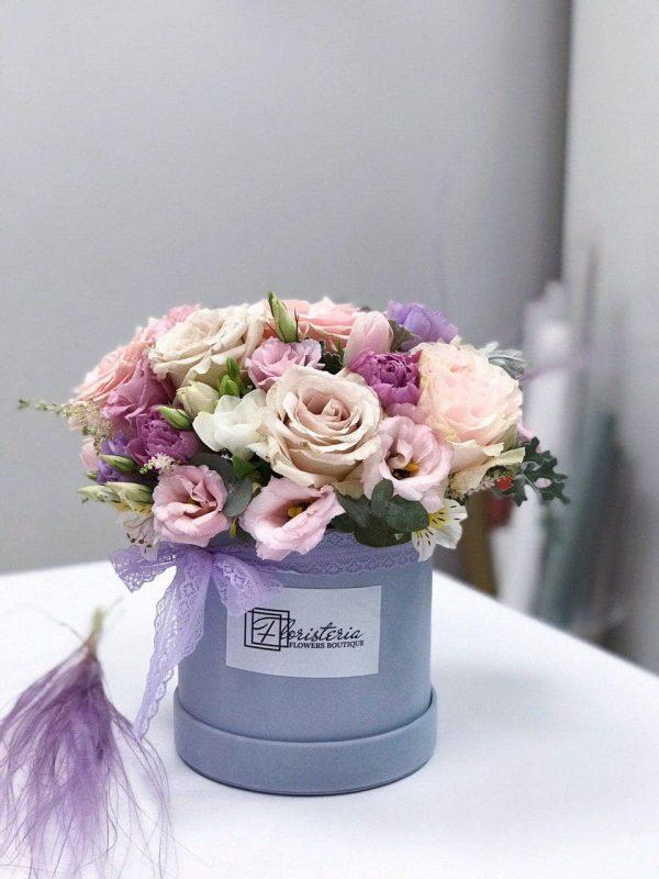 Welurowe pudełko w fioletowych odcieniach