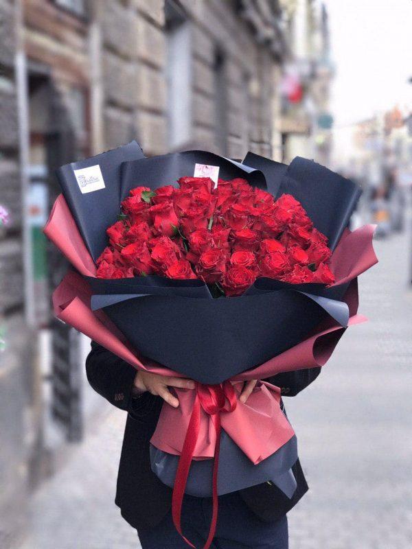 Bukiet z 51 róży – 60cm