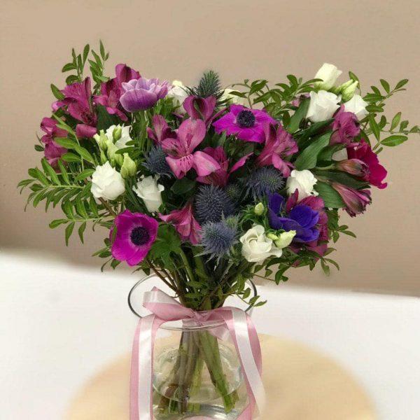 Bukiet w fioletowych odcieniach bez opakowania