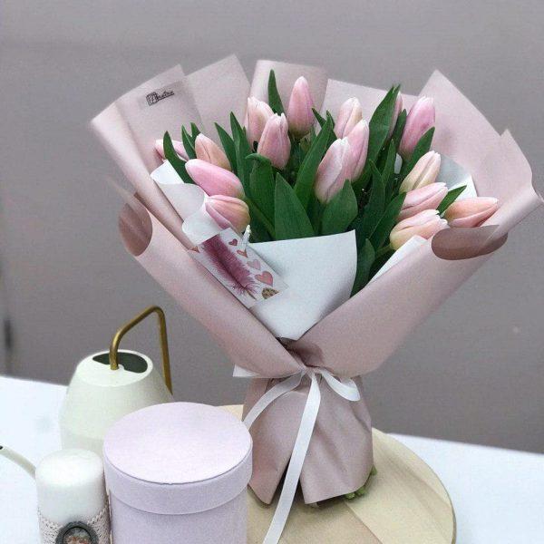Bukiet z 17 tulipanów