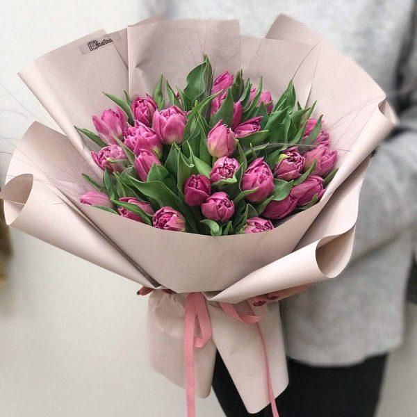 Bukiet z 25 fioletowych tulipanów